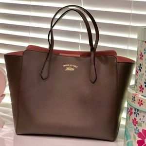 AUTHENTIC NEW GUCCI SWING MEDIUM LEATHER TOTE